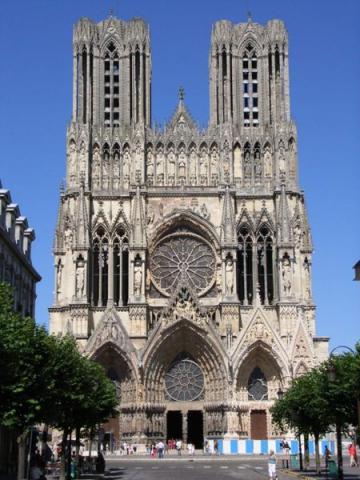 Fotografia: Schemat fasady katedry gotyckiej (katedra w Reims)